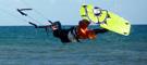 Progrese con nosotros con nuestros cursos de kiteboarding personalizados