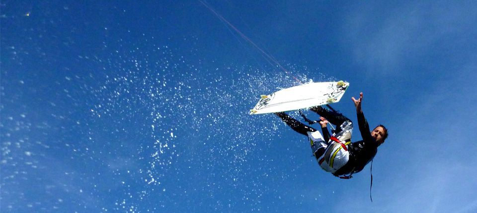 Escuela de kiteboarding y kitesurf en Estepona